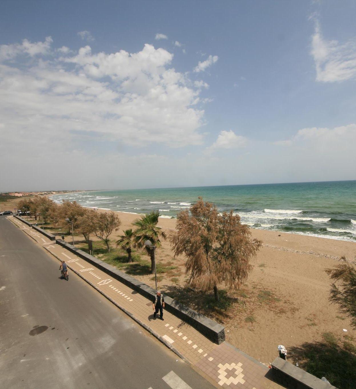 Spiaggia di Agnone Bagni in cui è stata organizzata una pulizia volontaria