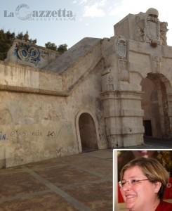 Porta Spagnola di Augusta deturpata e assessore Giusy Sirena