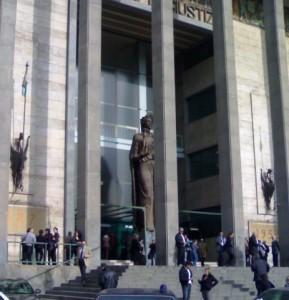 Ingresso del Tribunale di Catania