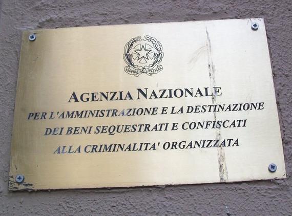 Risultati immagini per beni confiscati alla mafia
