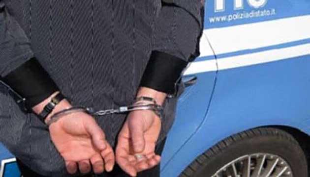 Medico nascondeva in auto cinquanta chili di droga, arrestato professionista di Castellammare