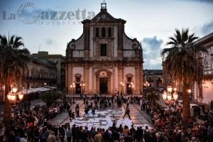 corteo-don-prisutto-anticancro-piazza-duomo-augusta