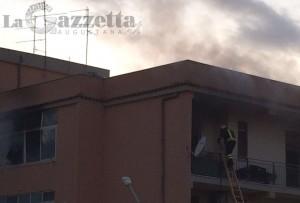 vigili-del-fuoco-incendio-condominio-monte-amara-augusta