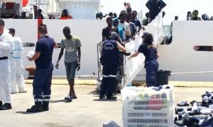 sbarco-migranti-6-luglio-2016-augusta