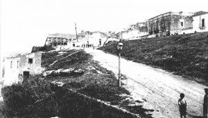 Via Marina di Ponente, la zona della 'Scinnuta da Cruci', inizio Novecento.