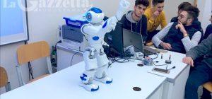 """Augusta, arriva il weekend dei robot al """"Ruiz"""". È la First Lego League, si sfidano studenti di Sicilia e Calabria"""