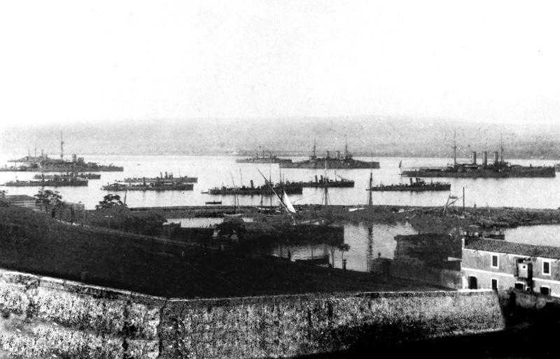 Porto Megarese nelle vicinanze della vecchia darsena, anno 1911.