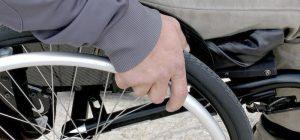 Augusta, Sonatrach dona al Comune un pulmino per trasporto disabili