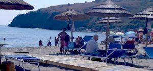 Passerella per disabili sulla spiaggia di Agnone Bagni già fruibile, inaugurazione il 21