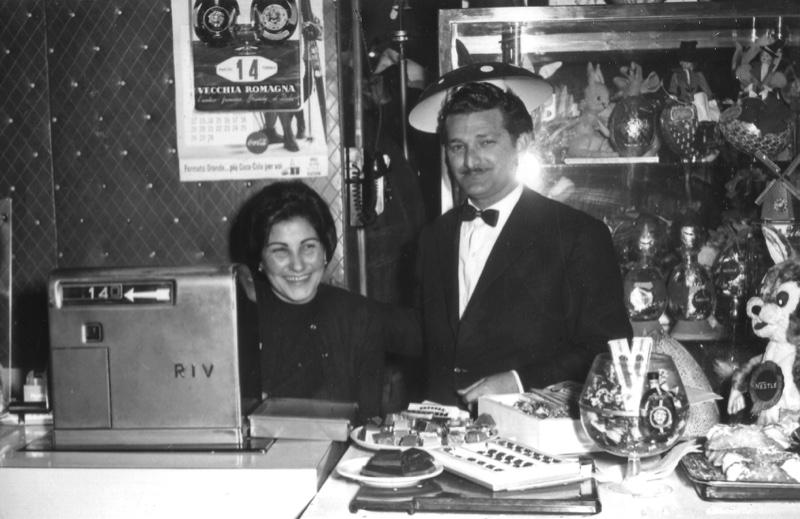 I coniugi Cannavà, gestori del Bar Kursaal, anni sessanta.