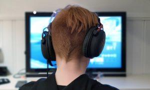 Il divertimento che viaggia sul web: 5 modi per divertirsi online